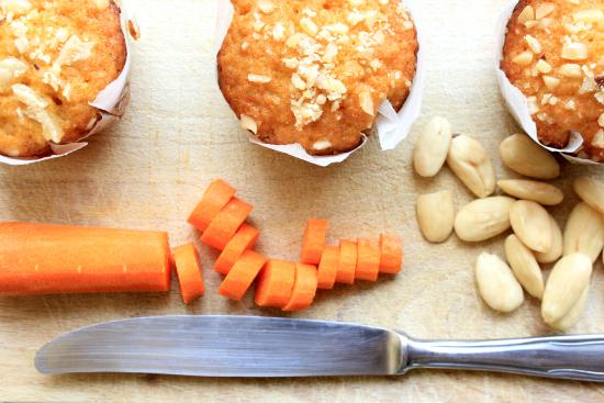 Risultati immagini per carote  mandorle