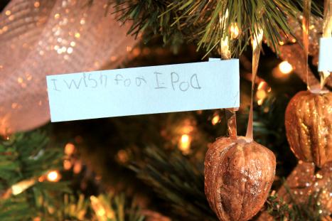christmas_trees_walnuts_4